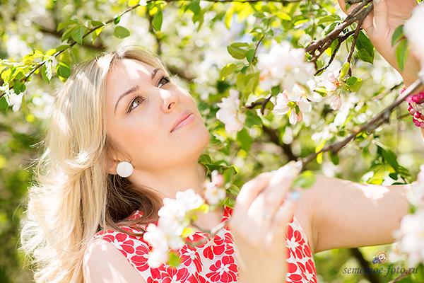 Когда яблони цветут...