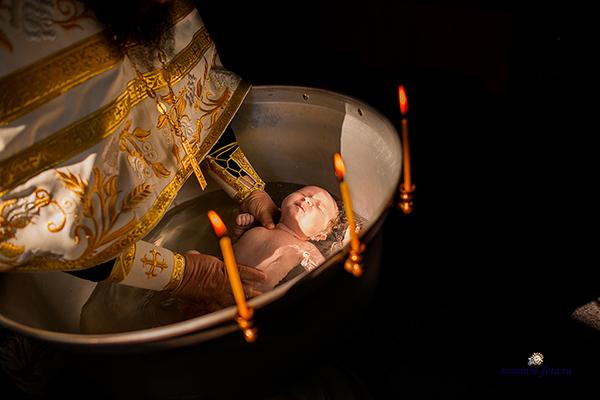 Зачем приглашать профессионального фотографа на Таинство Крещения?