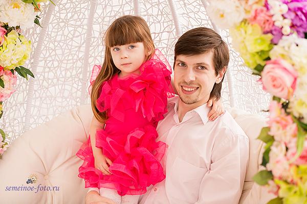 Евгения, Александр и малышка Сияна - по весеннему яркая и красивая семья!