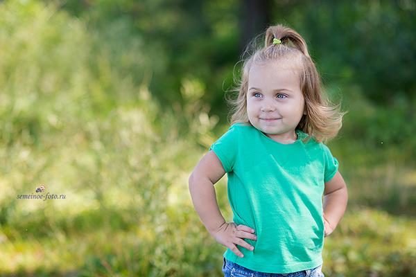 София - маленькая непоседа с ангельской улыбкой