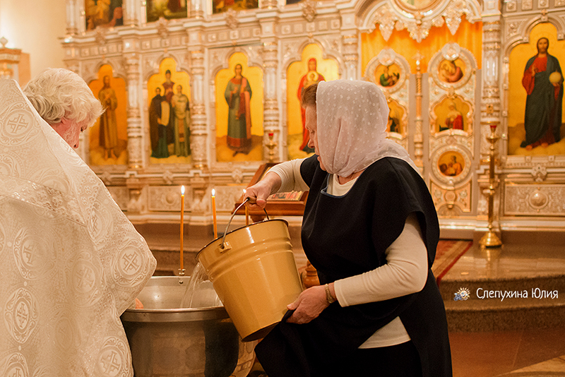 Таинство Крещения Софии. Благовещенский собор, г. Воронеж